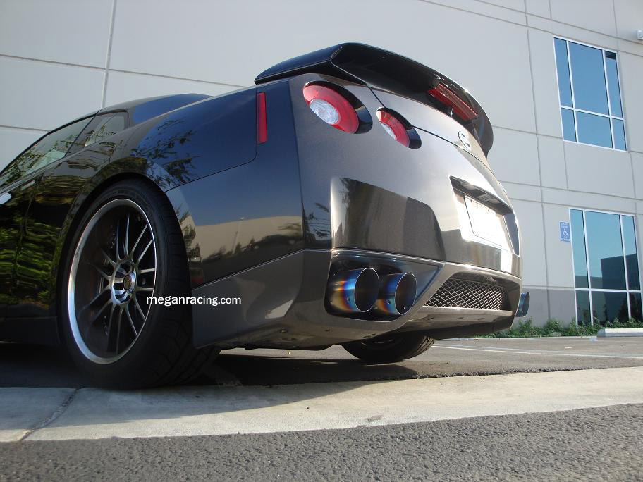 Free Shipping On Megan Racing Nissan Gtr R35 09 Eo R5